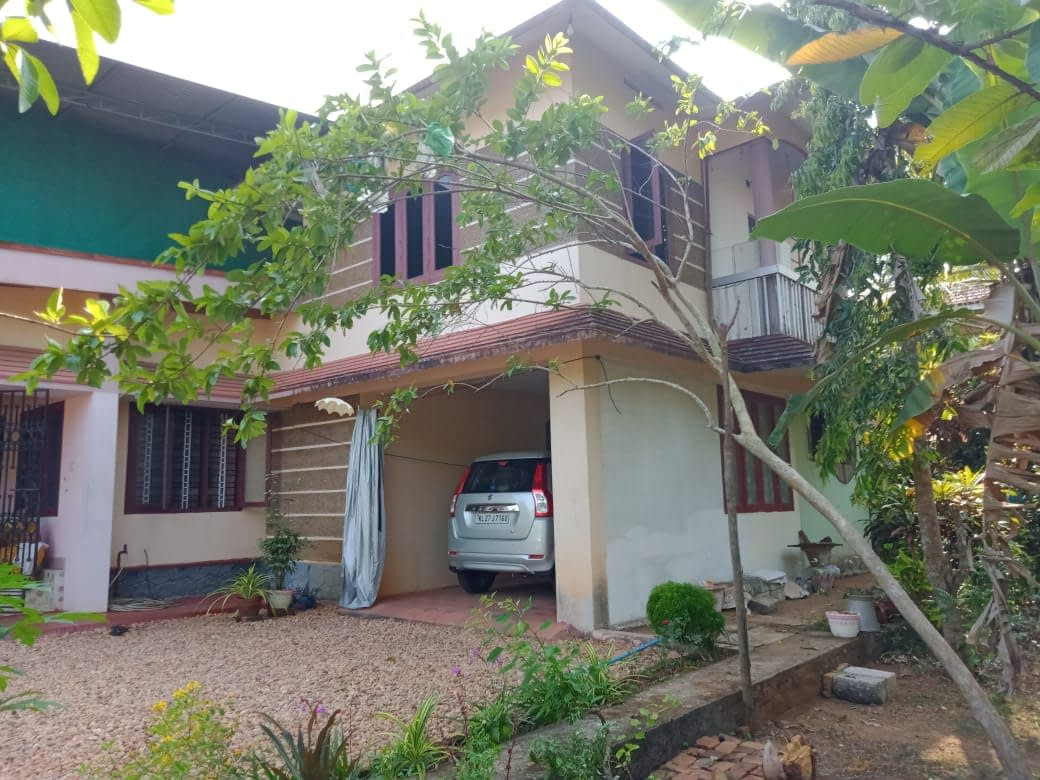 Individual home and land for sale